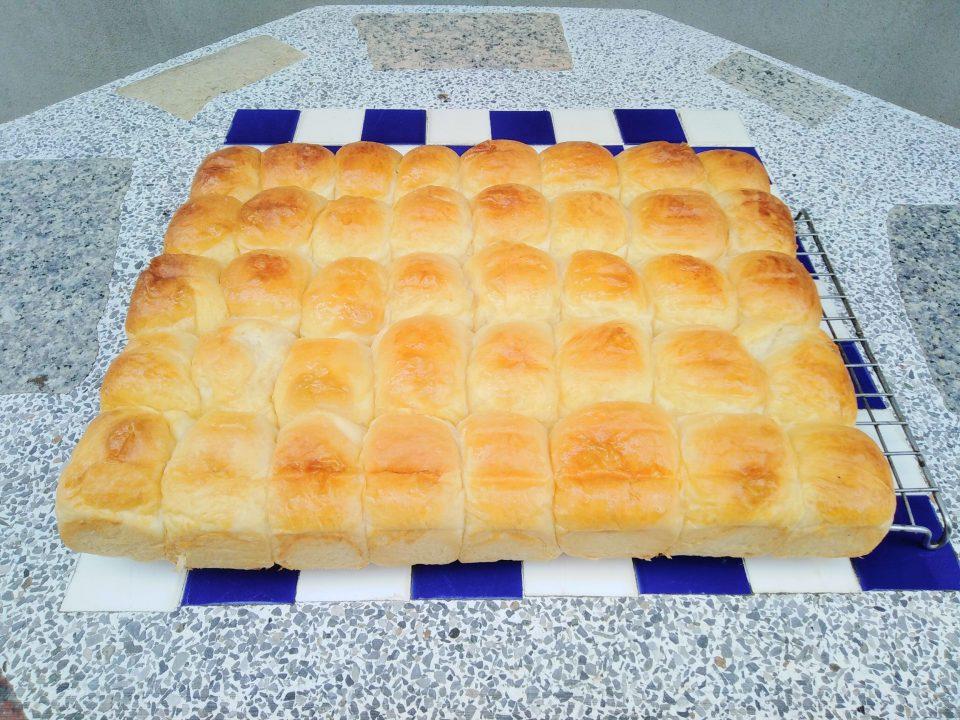 ขนมปังนุ่มเพิ่งเสร็จ